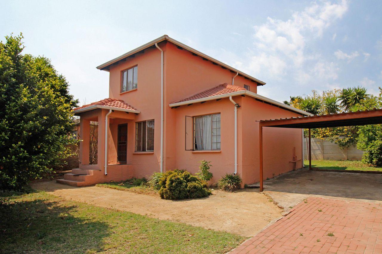 3 Bedroom Duplex For Sale in Cosmo City